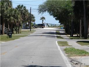 Beach access along Lybrand Street
