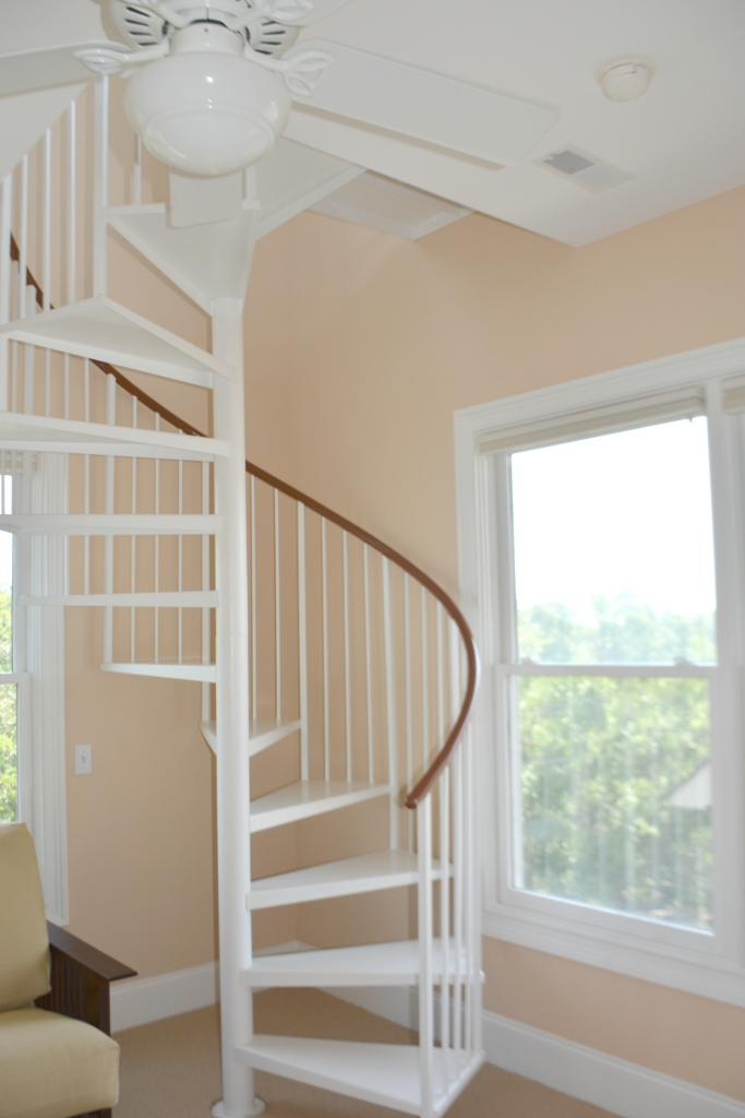 Sprial staircase from office to crows nest