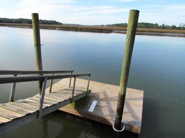 Floating Dock on St. Pierre Creek