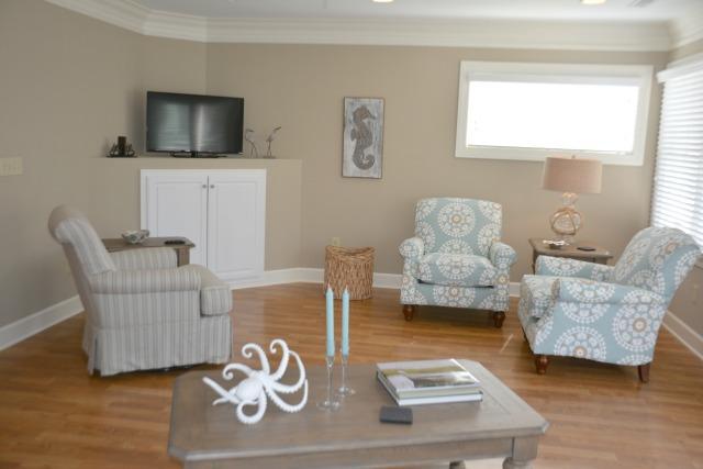 1st Fl - Living Area