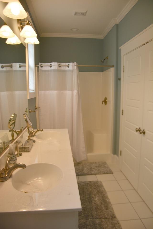 3rd BR private bath