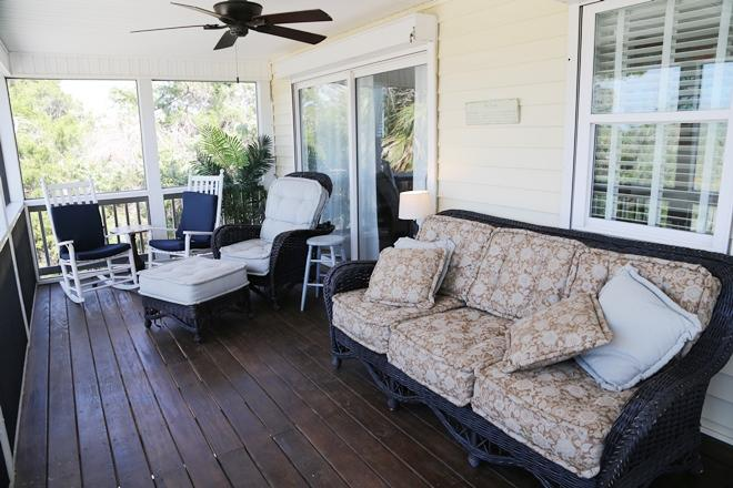 Screen Porch Seating