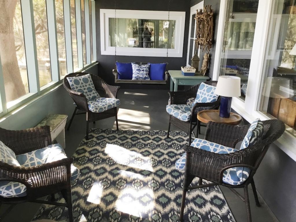 Cozy Screen Porch