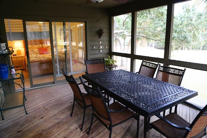 Screen Porch Link Side