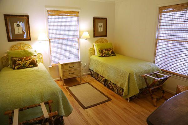 Guest Bedroom - 2 Singles