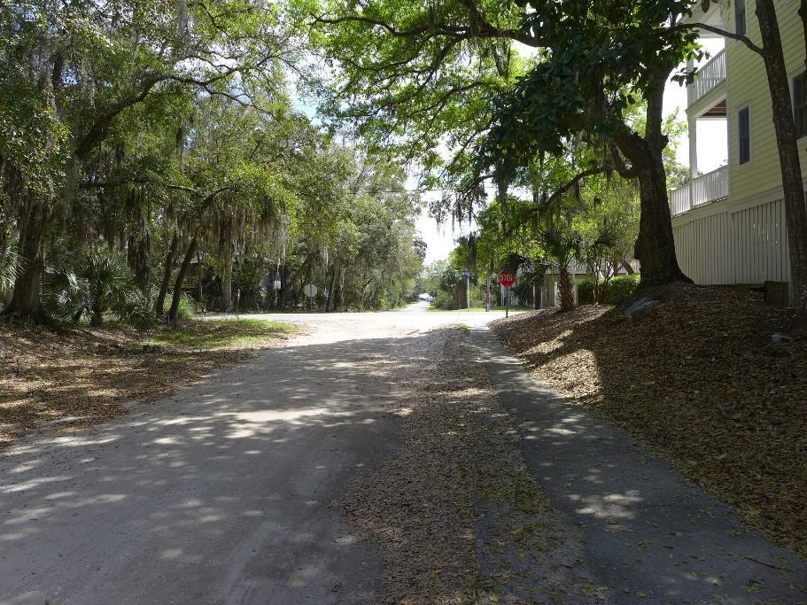 Side Street to beach